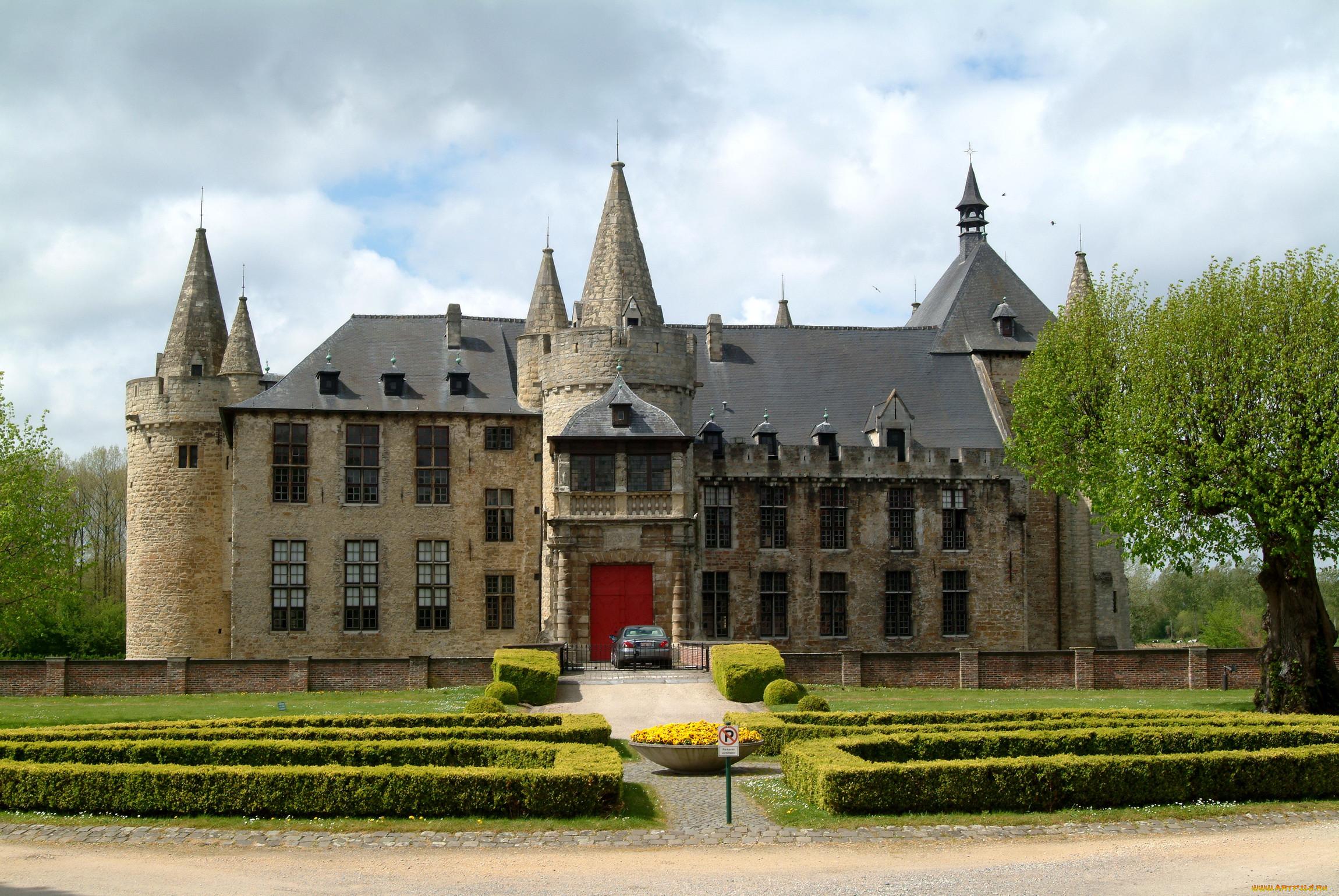 Замок георгенбург фото театре